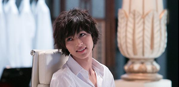 『デスノート』山崎賢人の髪型がかっこいい!美しいメイクにも注目!