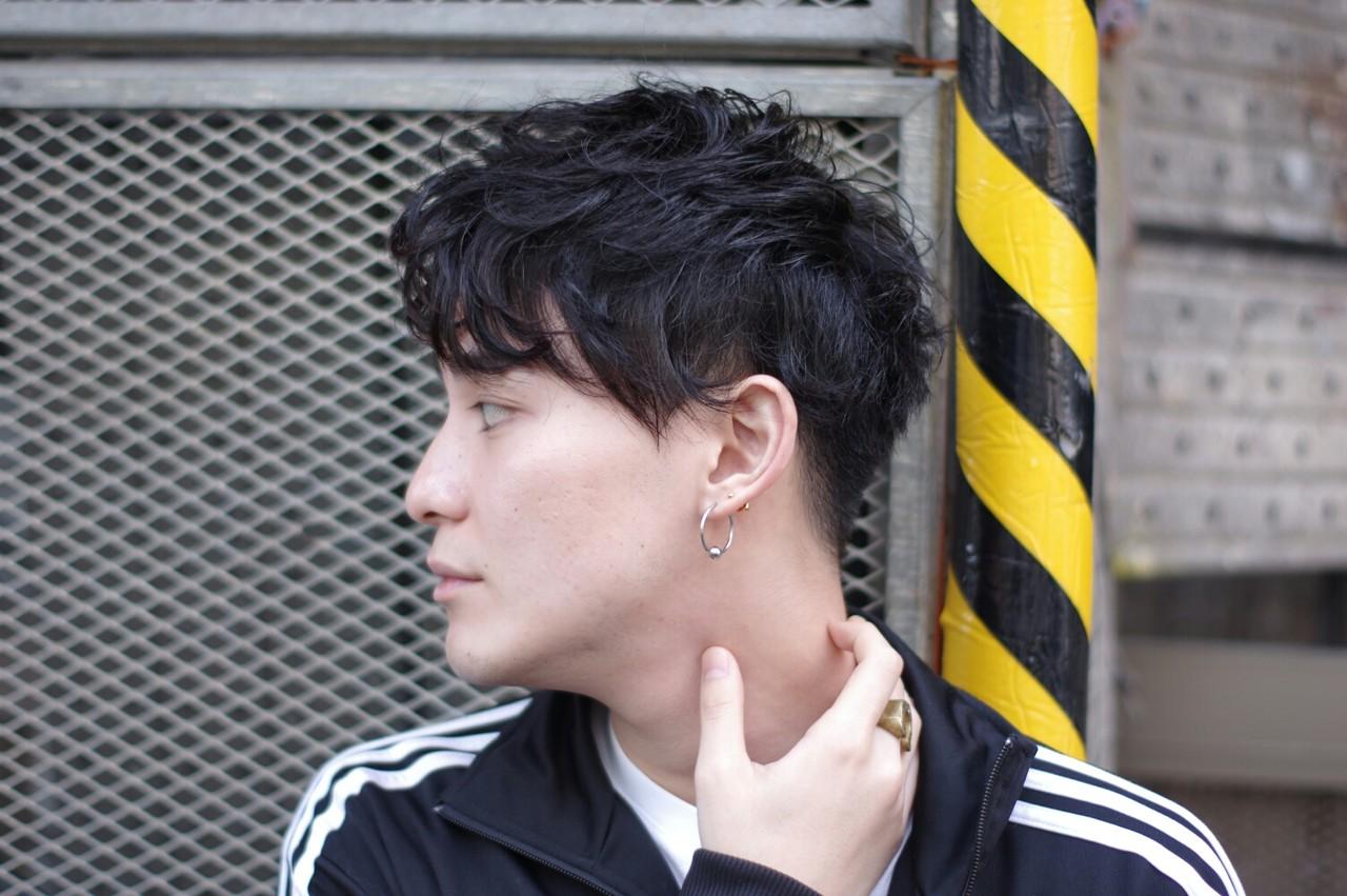 黒髪・パーマ|メンズの刈り上げスタイルがクソかっこいい!