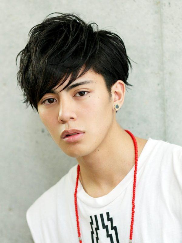 黒髪ブラストサイドパートマッシュ (2)-thumb-autox1067-3083