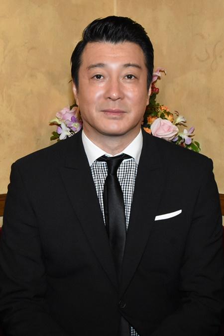 加藤浩次の黒髪がダンディ