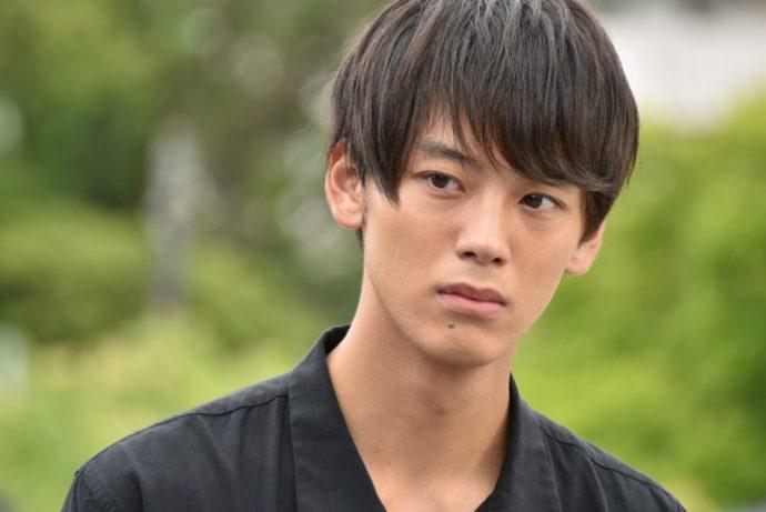 男子高校生の髪型|ワックスなしで作るモテるノーセットヘアを