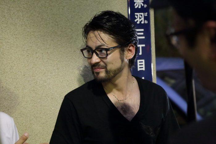 丸顔の山田孝之の髪型