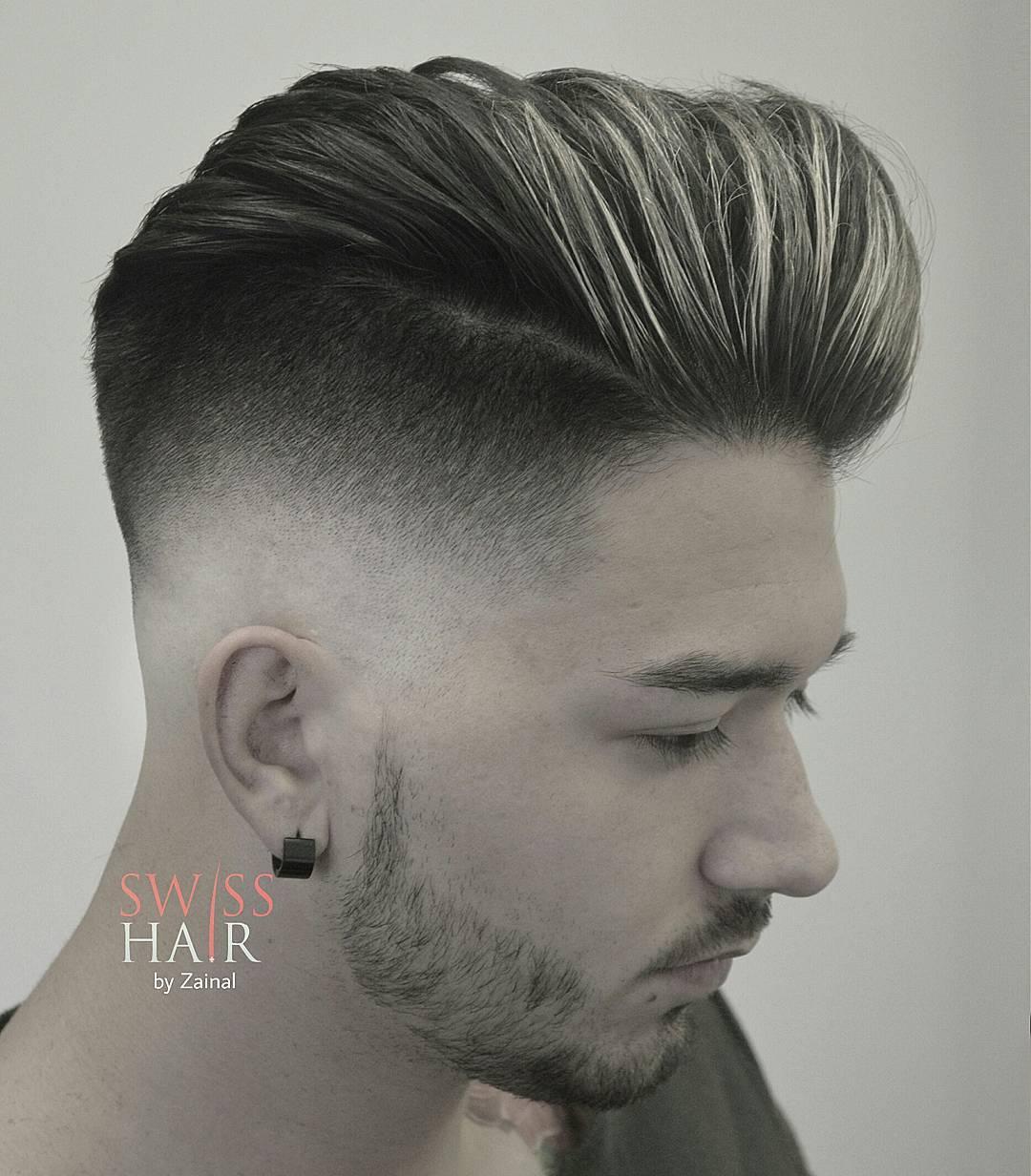 定番のオールバック刈り上げるヘア