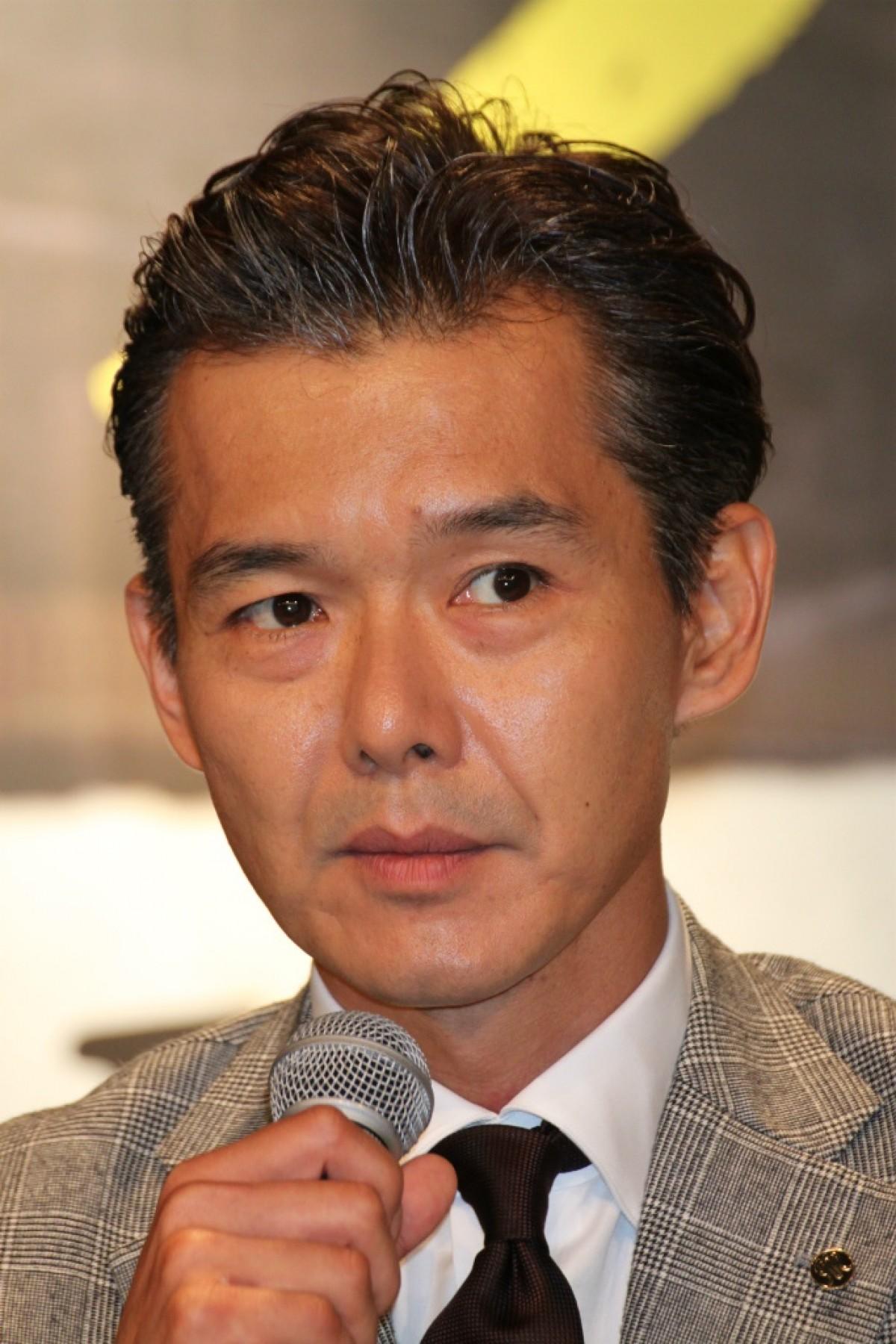 渡部篤郎のオールバックヘア