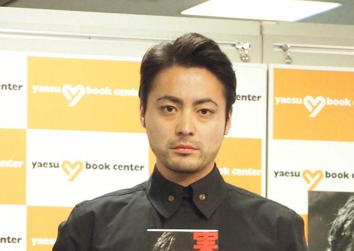 山田孝之のオールバックヘア