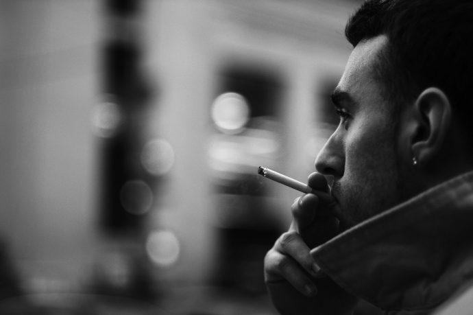 タバコで髪のパサつくのを防ぐ方法【効果あります】